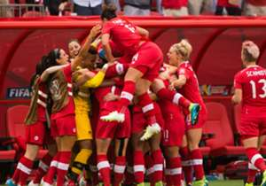 canada-women-celebrate-a-goal-versus-switzerland-2015-womens-world-cup-20156021_1eci6uigvirmy1nymskjk1lqei